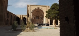 Visiting the Jaameh Mosque in city of Saveh